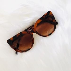 Tortoise Cat Eye Sunglasses